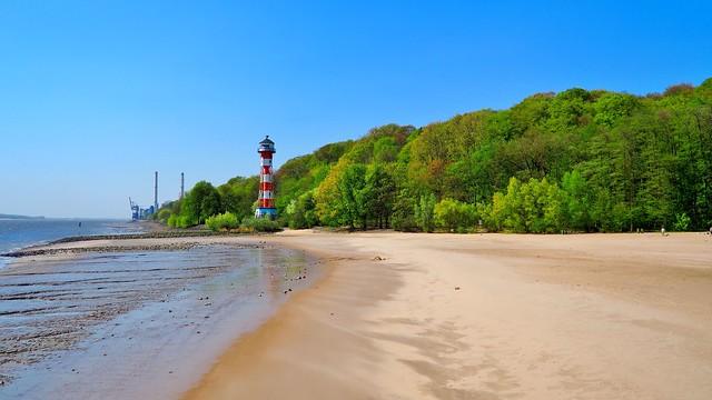 Leuchtturm An Der Elbe In Hamburg