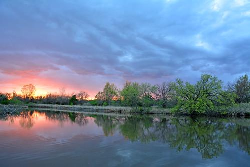 spring sunset water reflections chisholmcreekpark wichita kansas