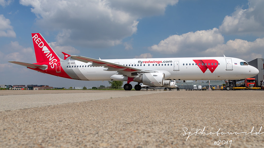 Red Wings Airbus A321-2 VP-BAN