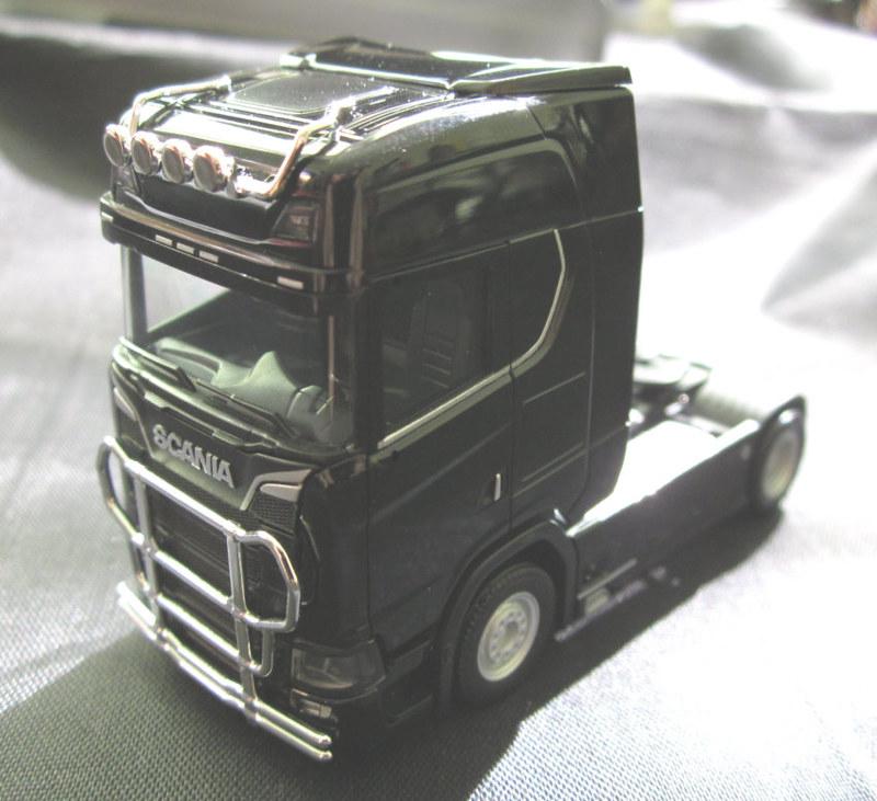Neu Herpa 310116-1//87 Scania CS20 Hochdach Zugmaschine mit Lampenbügel