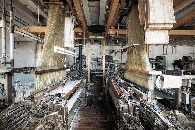 Twin weavers