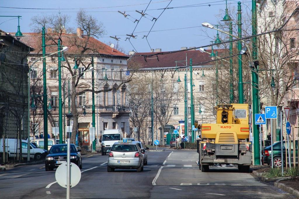 Útlezárás és forgalomelterelés lesz szombaton a Tisza Lajos körúton