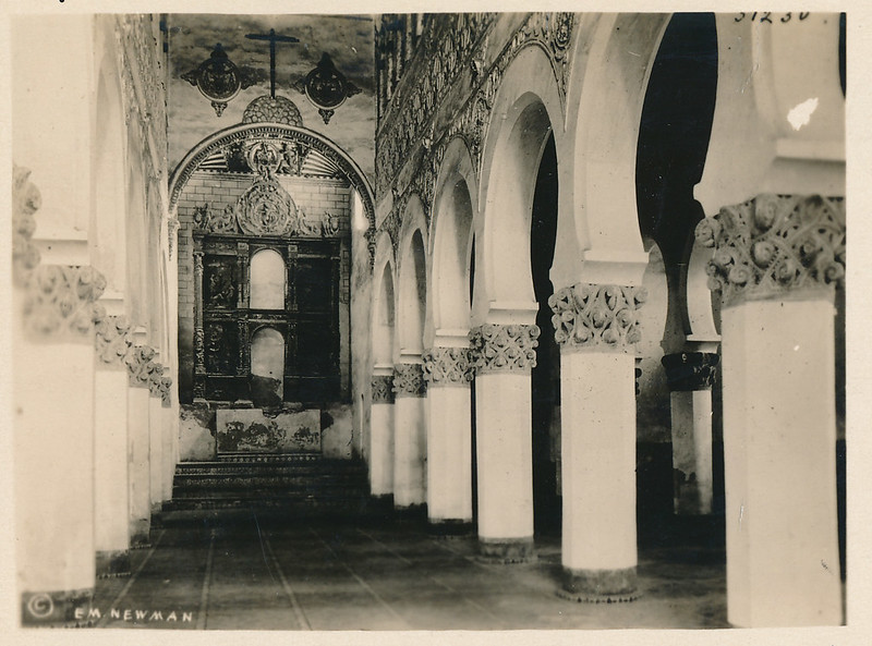 Sinagoga de Santa María la Blanca hacia 1915. Fotografía de Edward Manuel Newman. Colección de Laura Valeriano y Paco de la Torre.