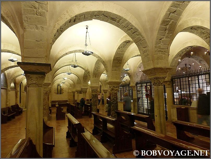 הקפלה האורתודוקסית ב-קריפטה של בזיליקה די סן ניקולה