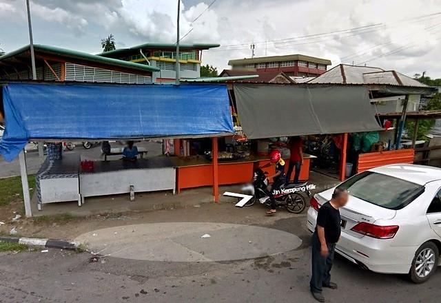 Kampung Hilir/Simpang Tiga kuih stall