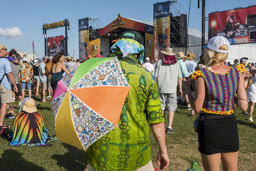 Audience fashion at Jazz Fest day 5 on May 2, 2019. Photo by Ryan Hodgson-Rigsbee RHRphoto.com