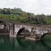 E' quasi sera e, sotto la pioggia, ci siamo fermati per fotografare il Ponte della Maddalena (meglio noto come Ponte de Diavolo) che attraversa il fiume Serchio nei pressi di Borgo a Mozzano (Lucca)