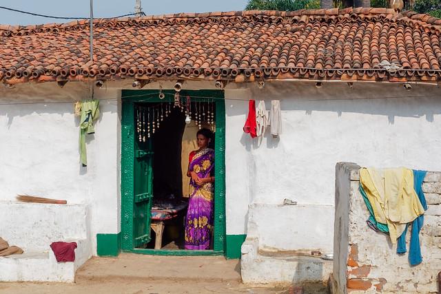 Élégante a sa porte.. India Album