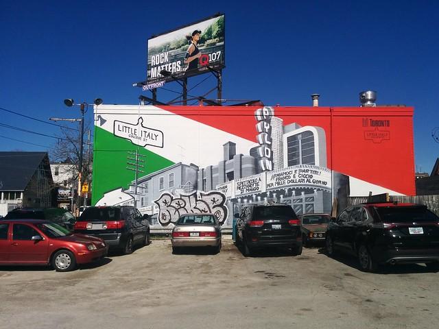 Little Italy, College Street, @sumartist #toronto #collegestreet #crawfordstreet #littleitaly #publicart #mural #parkinglot #sumartist