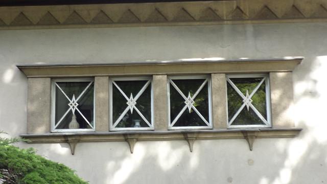 1926/27 Berlin expressionistische Ziergitter Villa F. Willmann von Friedrich Brinckmann Ahornallee 38 in 12587 Friedrichshagen