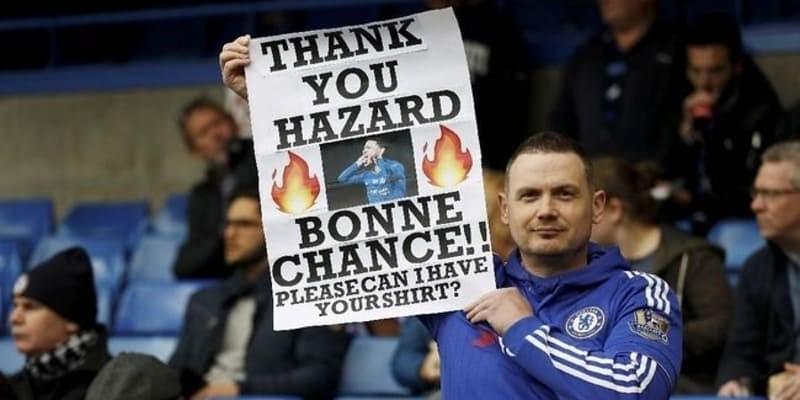 Hazard Geleng Kepala Ketika Suporter Minta Bertahan di Chelsea