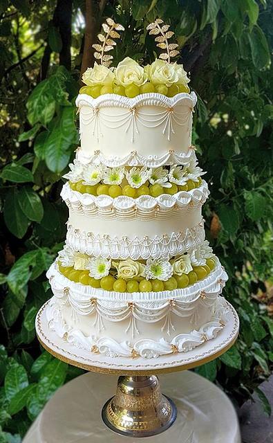 Cake by Laura Saporiti SugarLand