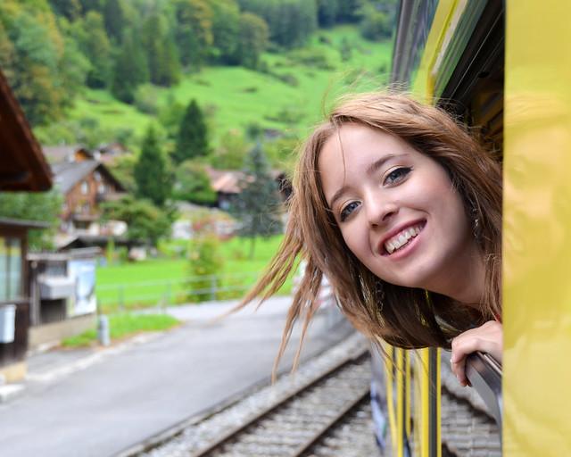 Saludando desde el tren en Grindelwald, Suiza
