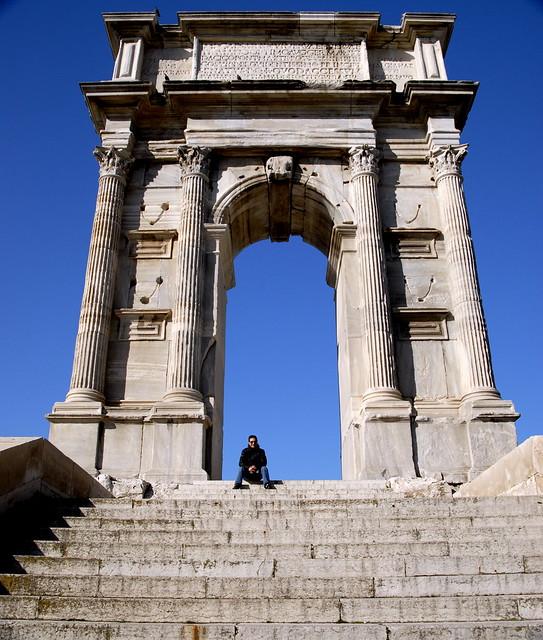 arco di Traiano (Trajan)