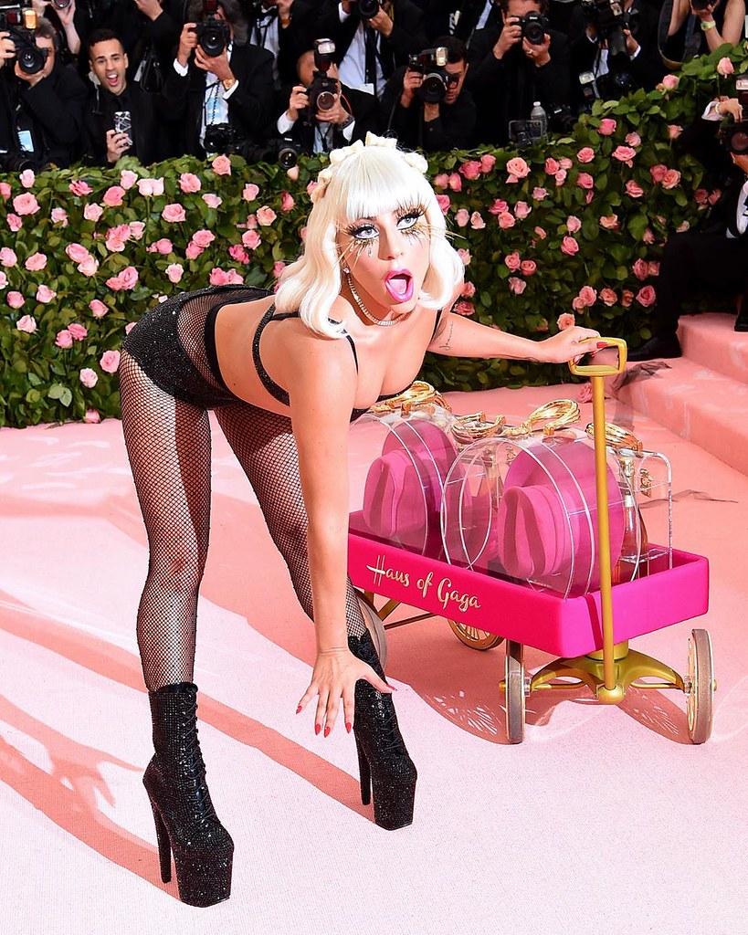 Леди Гага в белье от Brandon Maxwell
