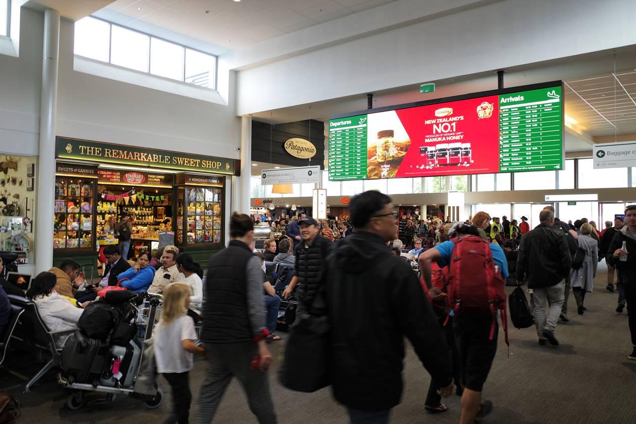 ニュージーランド クイーンズタウン空港