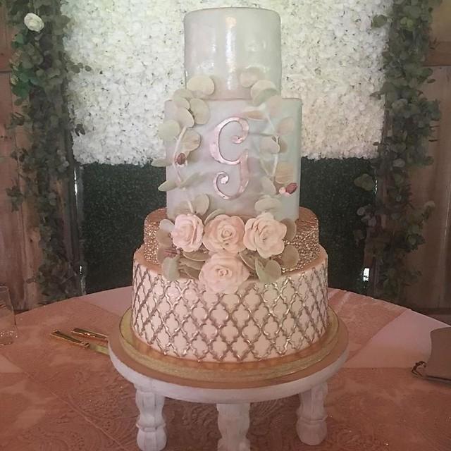 Cake by Julie's Cake Studio USA