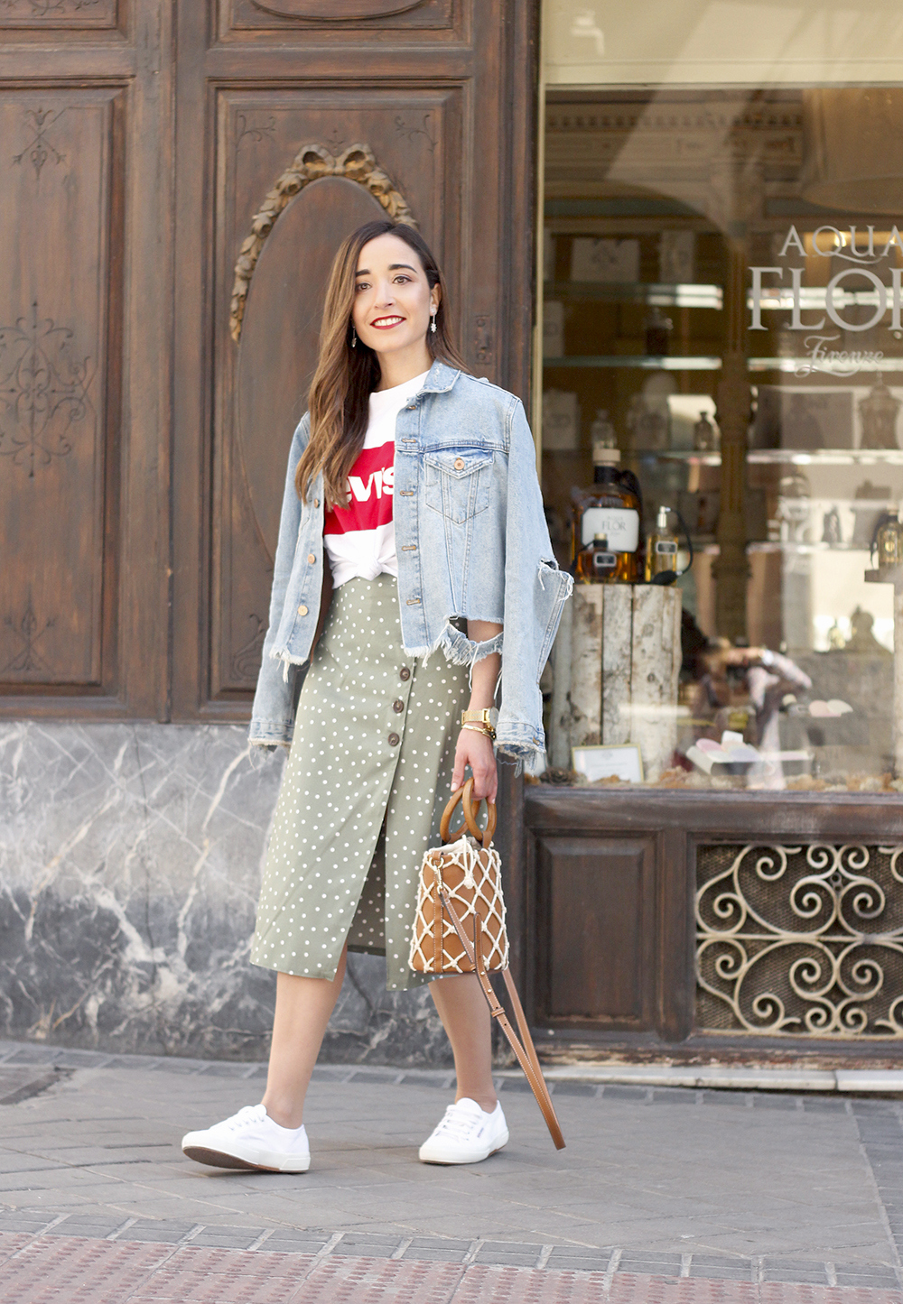 midi polka dots skirt denim jacket levis tshirt superga sneakers street style casual outfit spring 20199