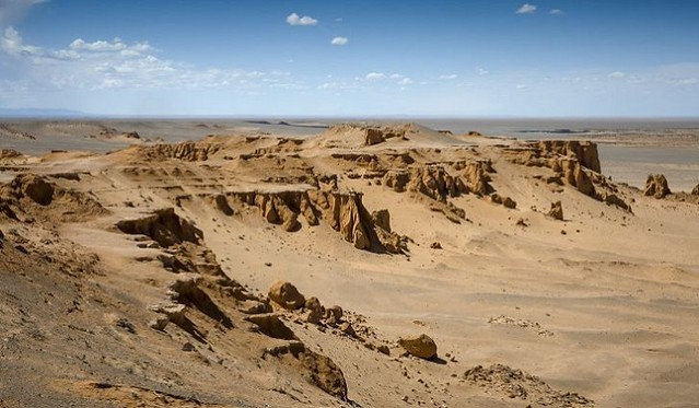 1642 Top 5 Biggest Deserts in the World 05
