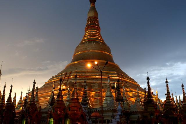 Pagoda Shwedagon de noche