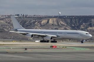 9h-FOX1 A340 Estelar   by Vadeaviones