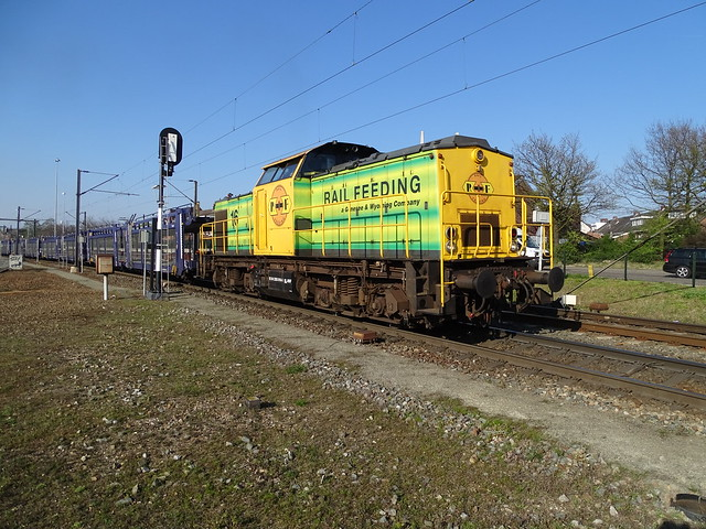 Railfeeding ( Genesee&Wyoming Railroad Group) V100 Diesel Loco with Empty Auto Train at Venlo,the Netherlands, April 10,2019