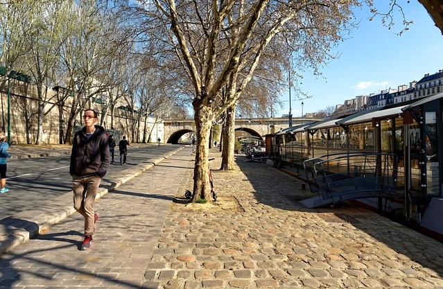 Paris / Voie sur berge / Péniche Les Maquereaux / Pont Marie