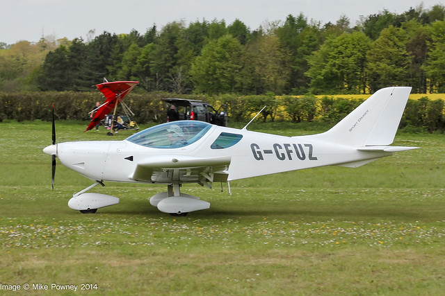 G-CFUZ - 2009 build CZAW Sportcruiser, arriving at Popham during the 2014 Microlight Trade Fair