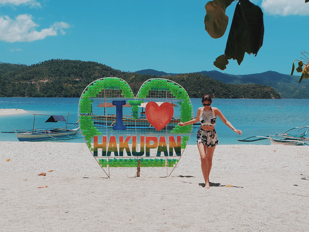 Hakupan Island, Beach in Marinduque