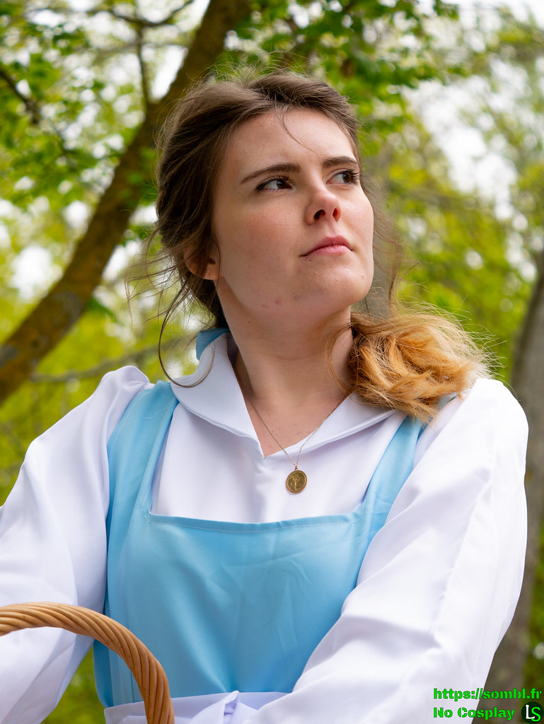 Belle Robe Bleue