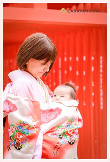 初宮参り ママもお着物 赤い産着
