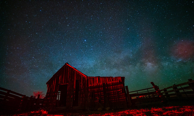 milkyway over the barn