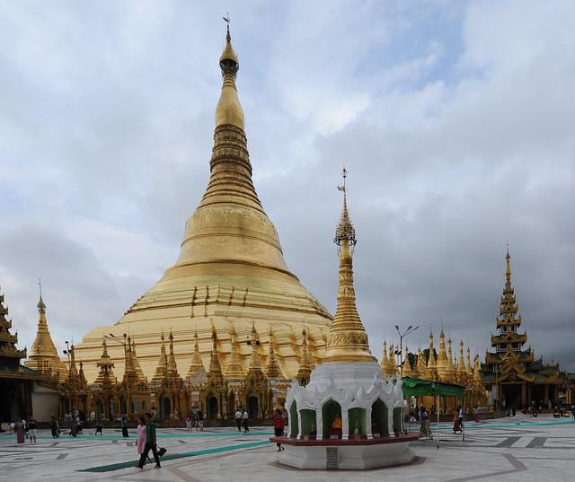 Shwedagon Pagoda, Yangon, Myanmar (Birmania) D700 362