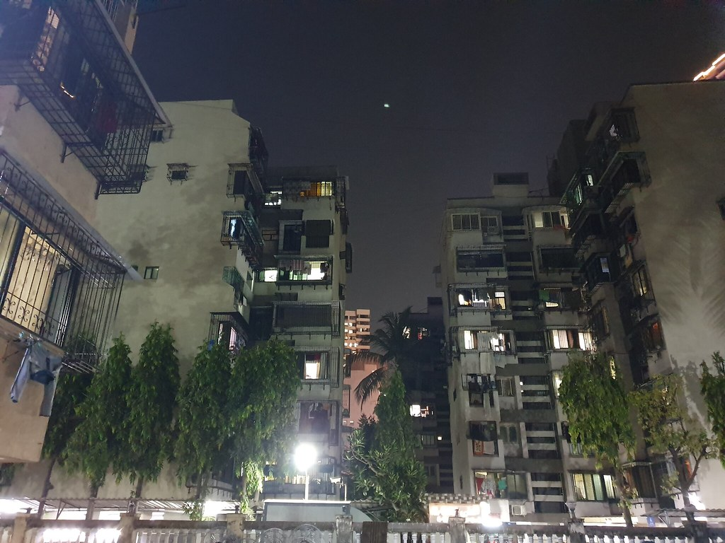 Samsung Galaxy S10e low light camera samples