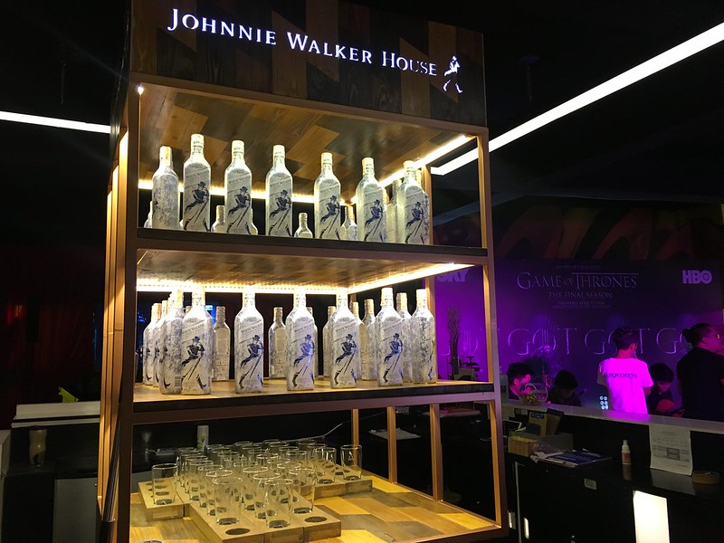 GOTs8 Premiere, Johnnie Walker House