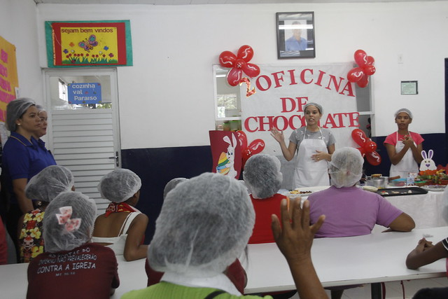 Manaus . 16.04.19. oficina de ovo de páscoa na Cozinha Comunitária do val paraiso.