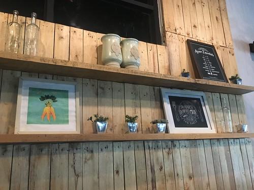 Lola Cafe, Tomas Morato   by beingjellybeans