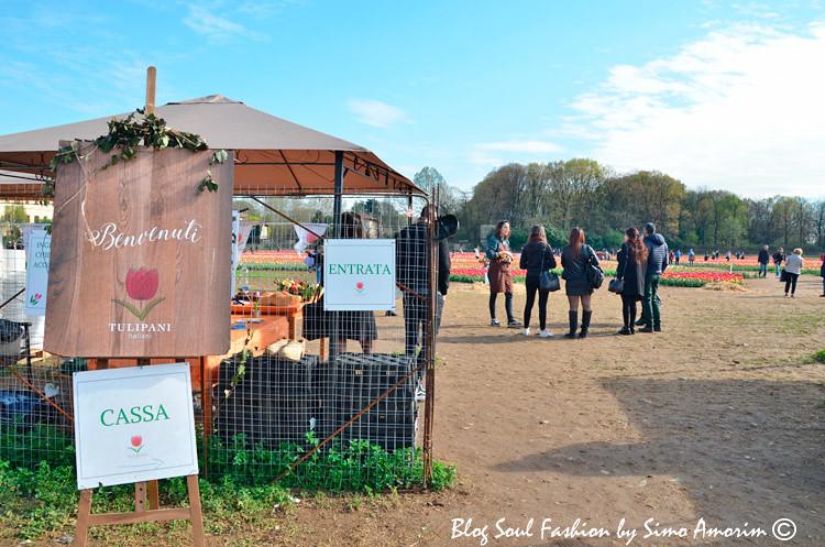 Logo na entrada do Tulipani Italiani recebemos algumas informções do lugar e as cestinhas para colhermos as tulipas