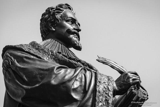 Statue of Hugo de Grotius (Est. 1886) (Delft/NL)