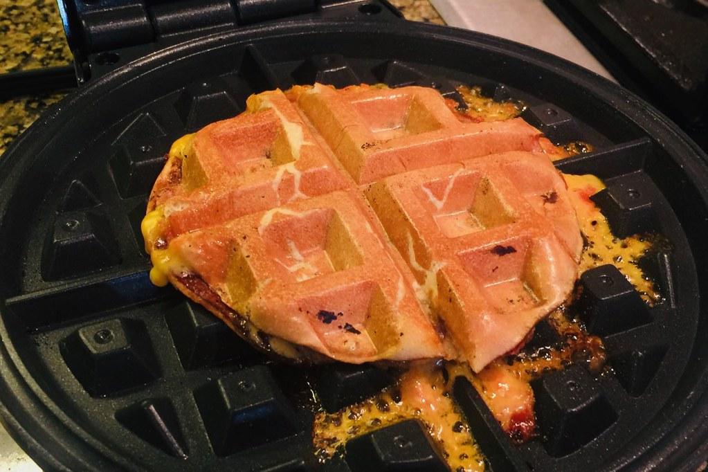heeseburgerwaffle1