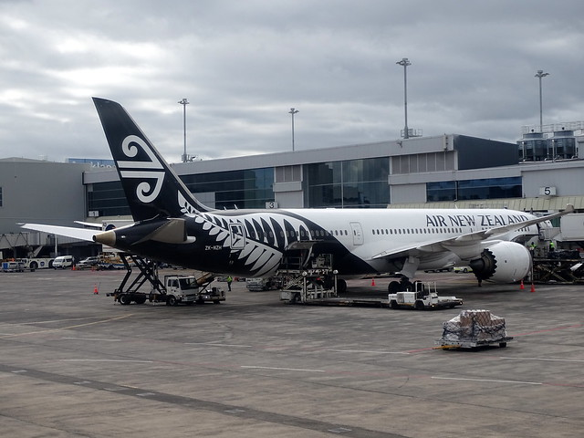 Air New Zealand Boeing 787-9 ZK-NZH