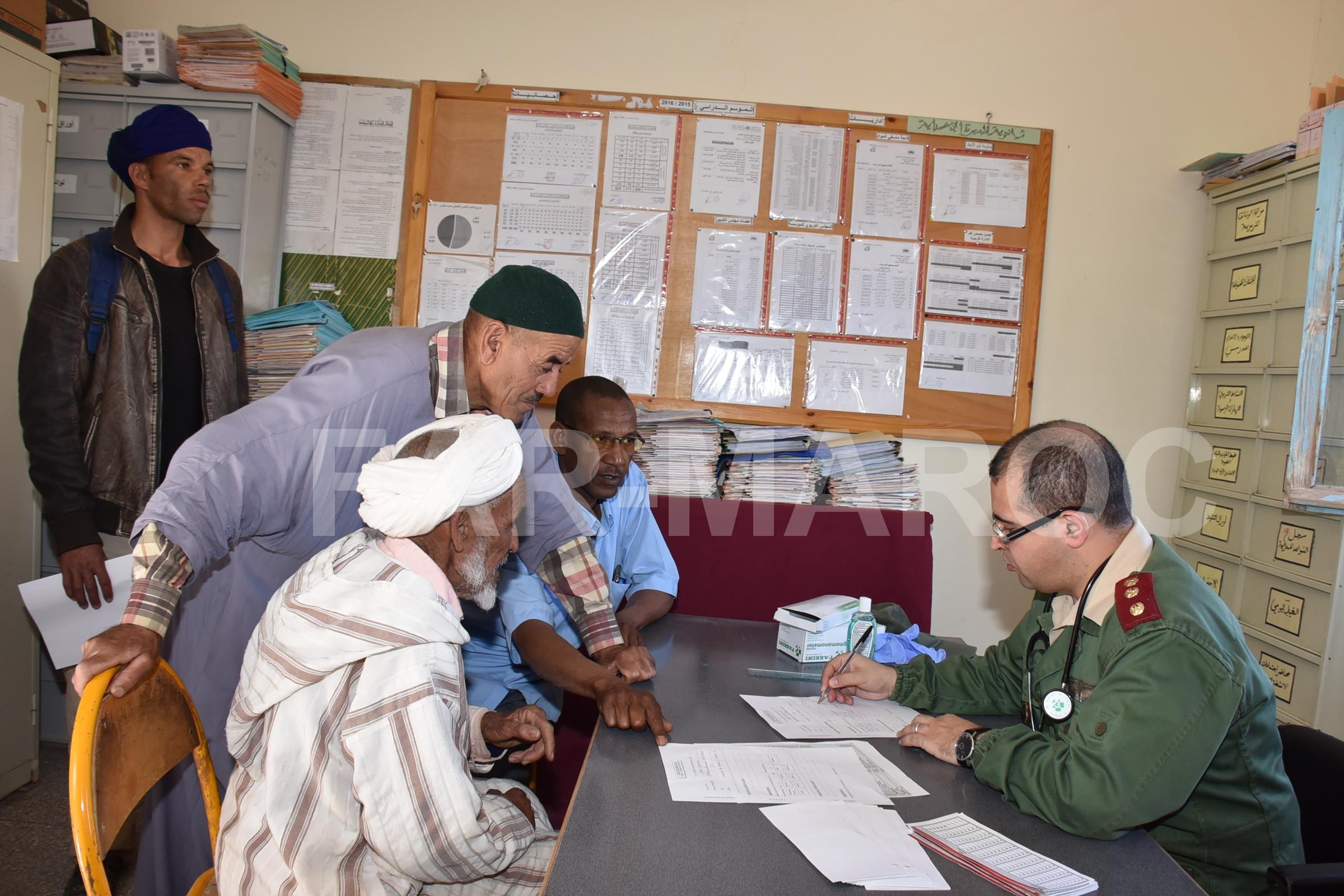 Les Opérations Humanitaires menées par nos Glorieuses Forces Armées Royales 46906581264_245bf6d579_o