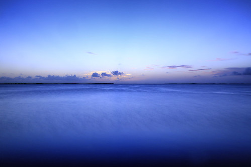 usa florida floride keylargo mer borddemer sea seascape seaside twilight longexposure poselongue blue bleu canonef24105mmf4lisusm canoneos6d smileonsaturday blueforyoume2019