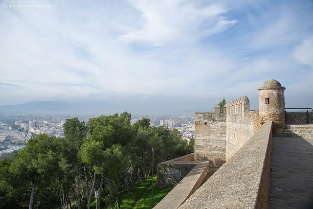 Espanjassa linnoituksissa näkee paljon pyöristettyjä torneja - niin myös Gibralfarossa