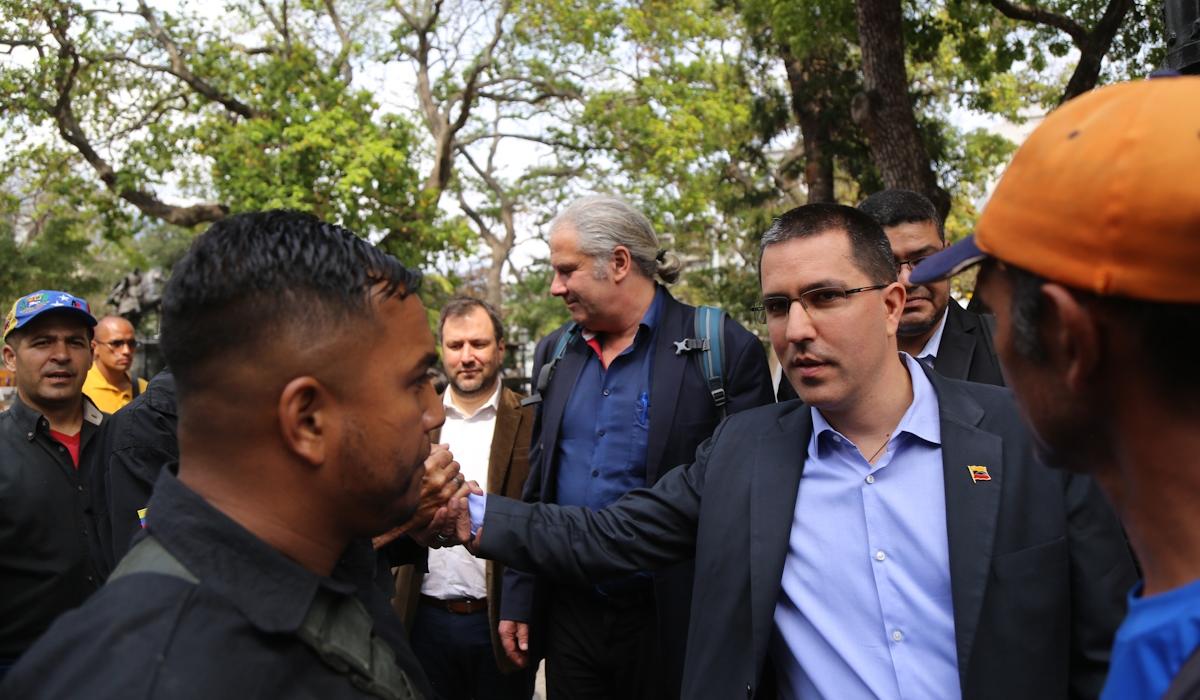 Canciller Arreaza sostiene encuentro con diputado del Parlamento Federal de Alemania