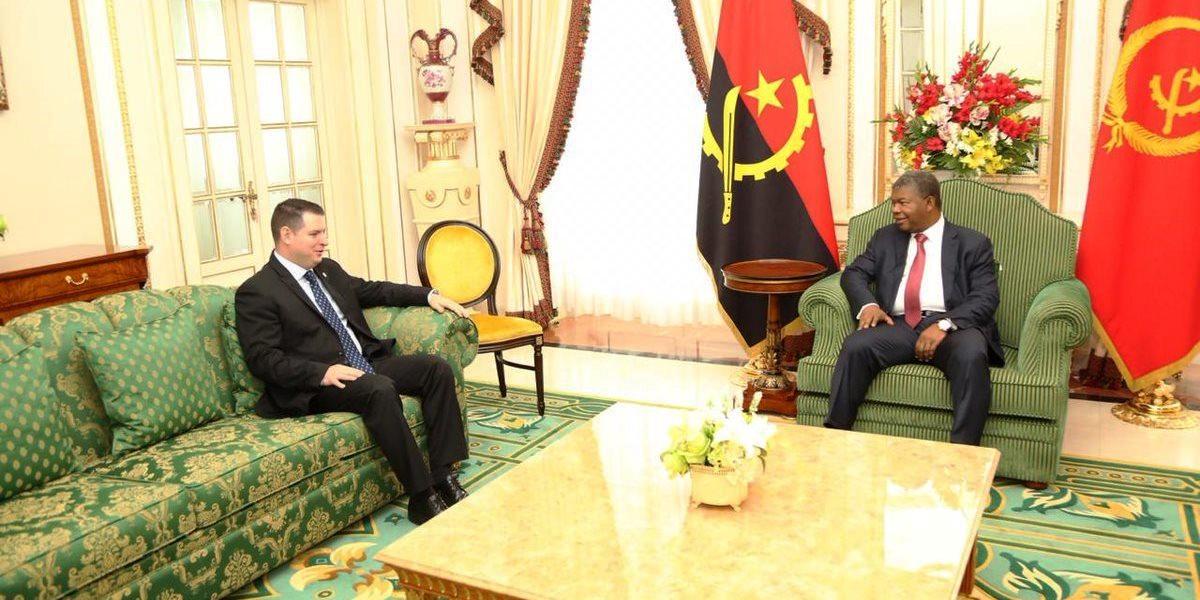 Presidente de Angola recibe cartas credenciales del nuevo Embajador de Venezuela