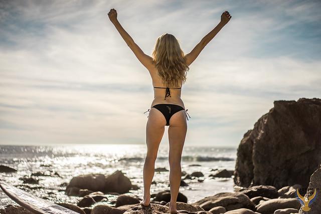 Pretty Blonde Bikini Model! 45SURF Pretty Blue Eyes Homer's Iliad Helen Aphrodite Swimsuit Bikini Surf Girl Malibu Beach Model! Golden Ratio Comp Sony A7 R & Sony Sonnar T* FE 55mm f/1.8 ZA Carl Zeiss Lens Lifestyle Model Portrait Photography! dx4/dt=ic