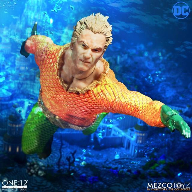 經典漫畫造型加上三頭雕!! MEZCO ONE:12 COLLECTIVE 系列 DC Comics【水行俠】Aquaman 1/12 比例人偶作品
