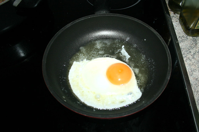 33 - Spiegelei braten / Fry egg