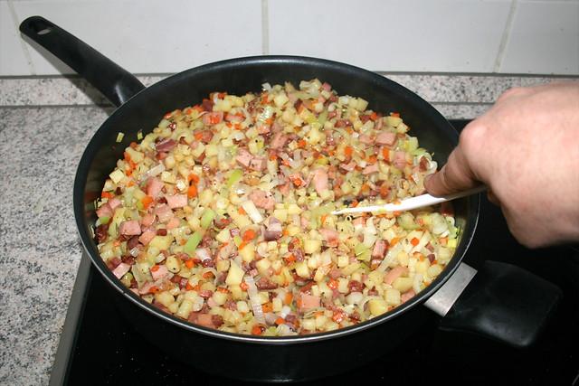 30 - Verrühren & Fleisch heiß werden lassen / Stir & let meat get hot